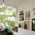i paralumi del ristorante sono stati realizzati artigianalmente con tessuti Marimekko